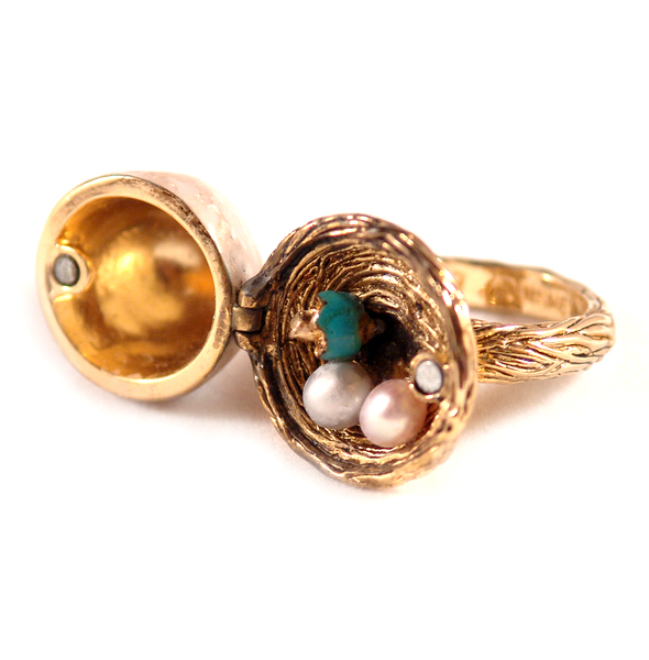 Disney Couture™ Tinkerbell Pixie Nest Ring